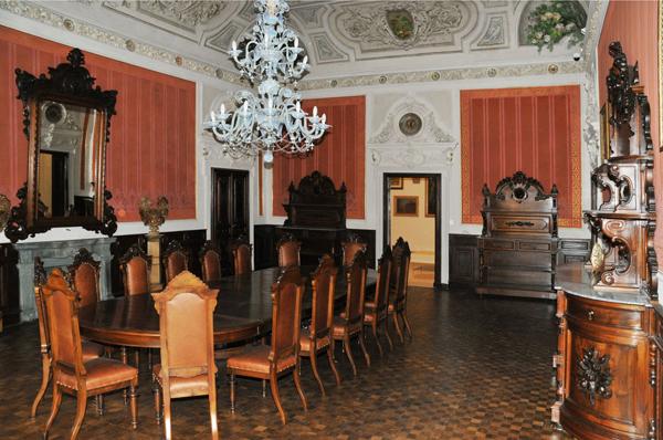 1225989987012_palazzo-blu---particolare-degli-interni-sala-da-pranzo