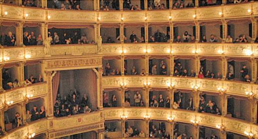 teatro-pisa-grande