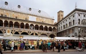Piazza delle Erbe, Padova.