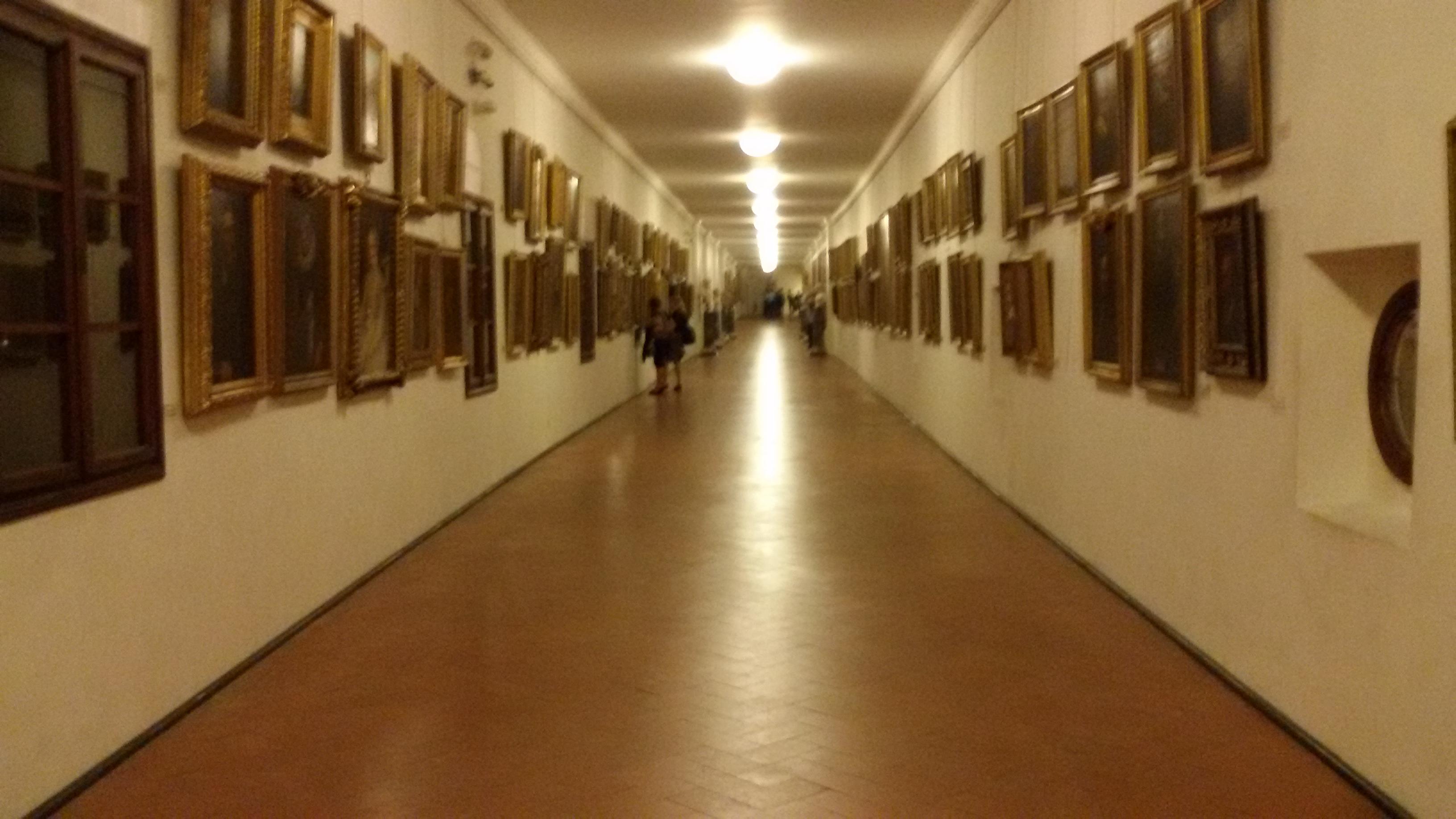 Il corridoio vasariano percorso segreto del granduca - Il tappeto del corridoio ...