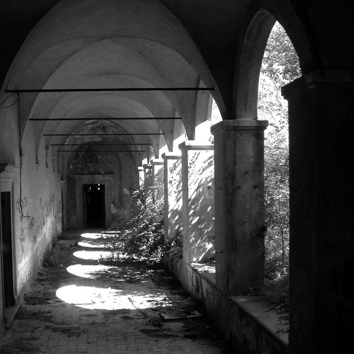 Il chiostro del convento di Nicosia