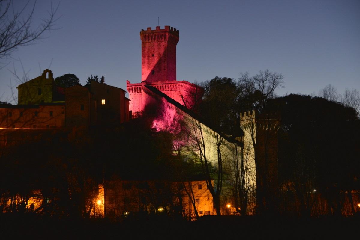Rocca in rosa
