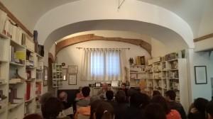 Seminario di Interpretazione Testuale tenutosi nei locali della libreria Ets