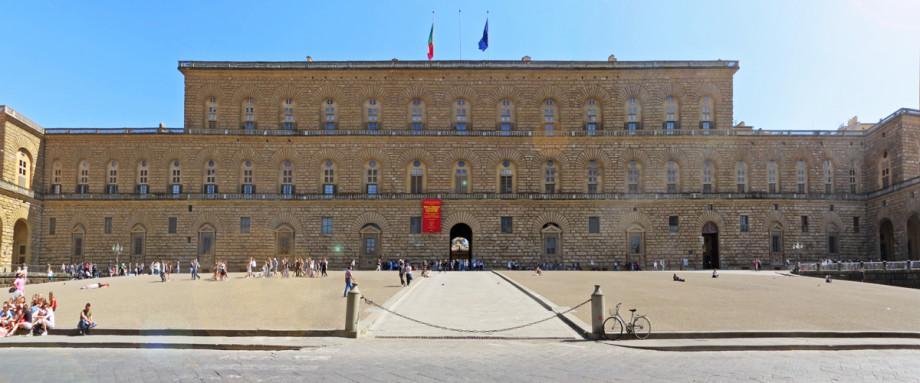 Palazzo Pitti, facciata. Fonte : residenzatoscanelli.com