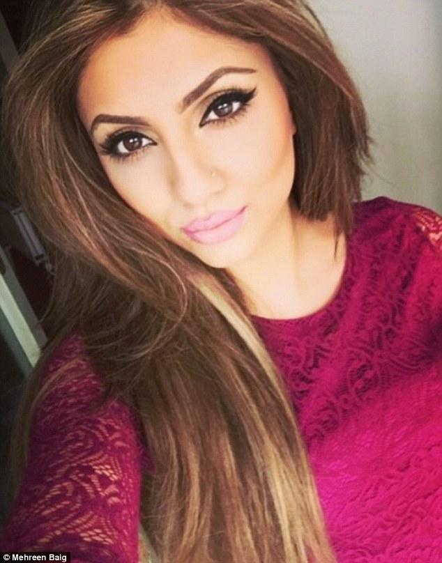 Mehreen Baig, selfie