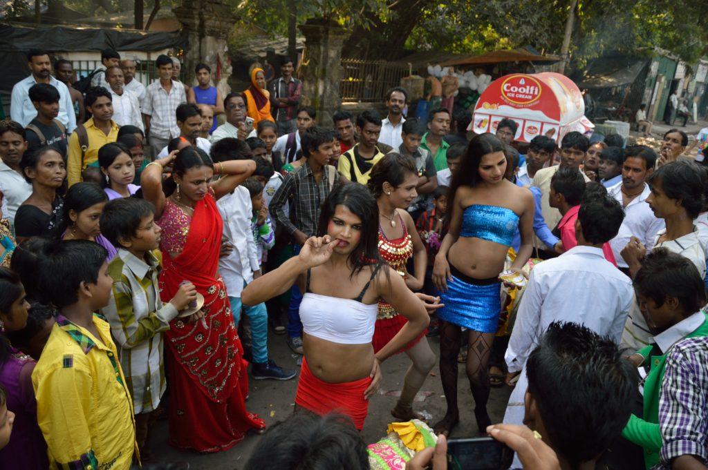 hijras che danzano